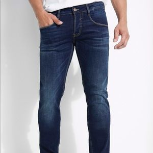 Guess Vermont Slim men's dark wash jeans